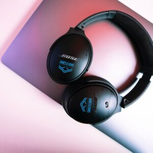 custom bose quietcomfort headphones place your company logo on one of the most popular consumer products